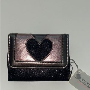 beautifully &uniquely designed sparkly lil wallet!